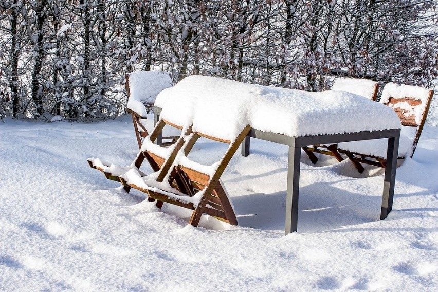 Preparing Your Wooden Garden Furniture for Winter